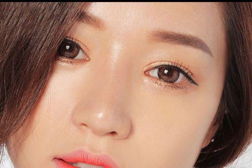 Bấm mí mắt có hại không? Cần cân nhắc gì trước khi bấm mí mắt? 1