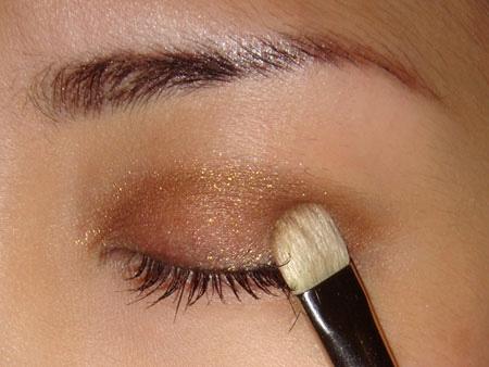3 Cách đánh mí mắt đẹp cực đơn giản - mắt bật tông đẹp lonh lanh 5