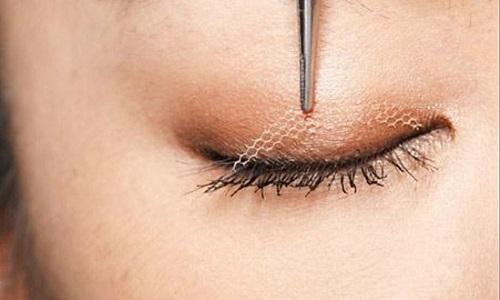 5 Cách Nhấn mí mắt tại nhà HÔ BIẾN đôi mắt Chuẩn Đẹp Ko phẫu thuật 2