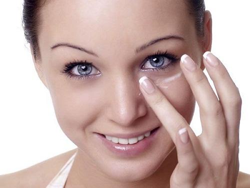 4 Cách xóa vết chân chim ở mắt An Toàn - Hiệu Quả cho mắt Trẻ Đẹp 3