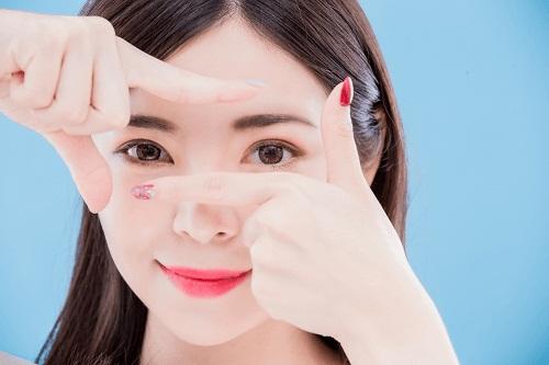 6 Cách giảm sưng sau khi cắt mí mắt hiệu quả cho mắt mau lành Ko đau 1