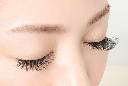 Mắt một mí nối mi có đẹp không & Nên nối mi kiểu nào? Tư vấn giải đáp 4