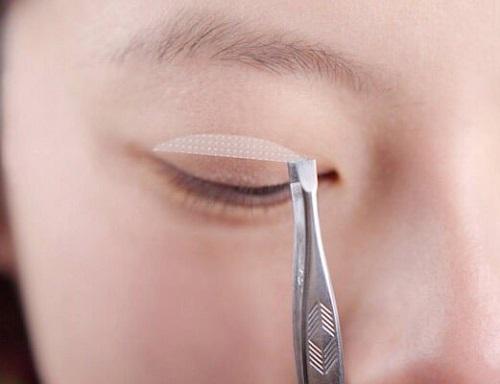 Mắt nửa mí là gì? Top 2 cách khắc phục mắt nửa mí hiệu quả & an toàn 2
