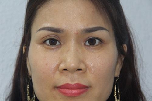 Phụ nữ có đôi mắt sâu là như thế nào, đẹp hay xấu, nói lên điều gì về họ? 1