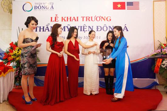 Toàn cảnh lễ khai trương Đông Á Beauty cơ sở 212 Kim Mã- Hà Nội 7